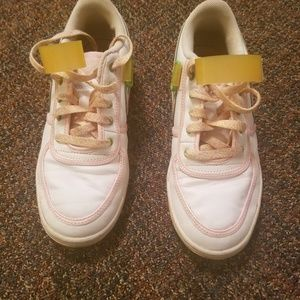 Nike Vandel Low Youth Girls Size 6.5Y